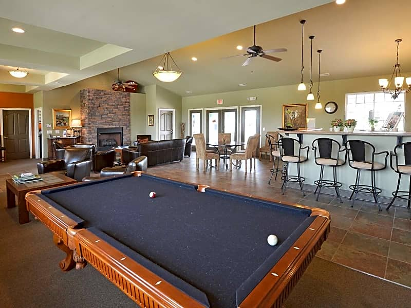 Clubhouse Billiards