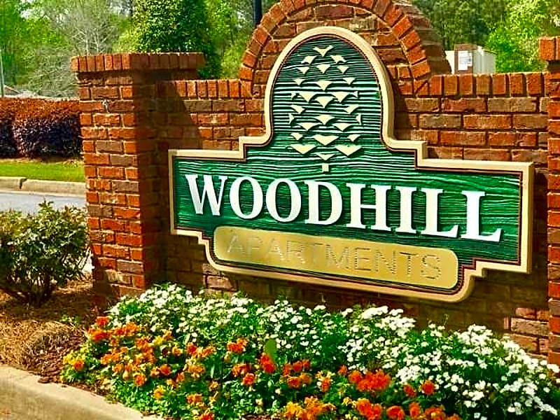 WELCOME TO WOODHILL APARTMENTS!