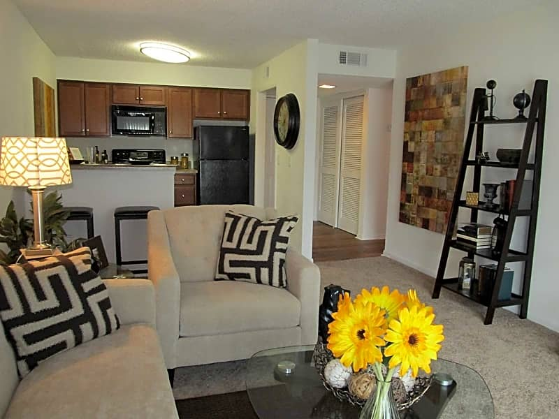 Great layout with lots of living room space