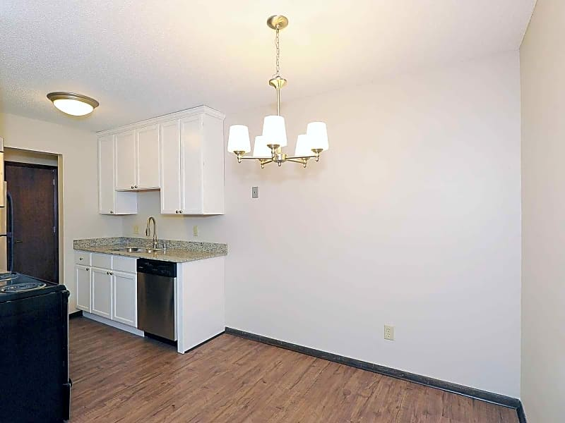 Remodel kitchen / dining