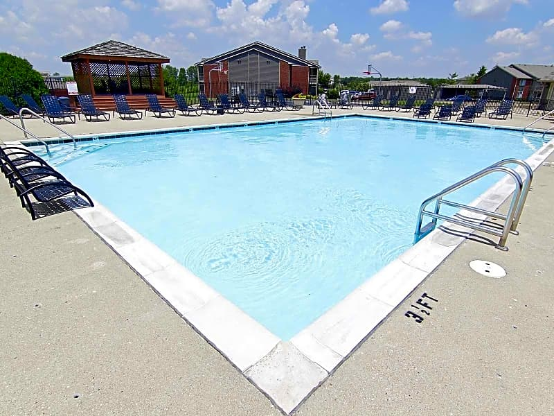 Large swimming & pool deck area