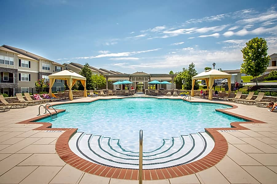 Amberleigh Ridge Resort Style Pool