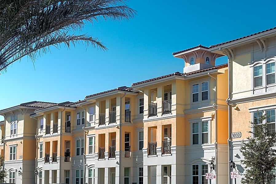 Brand New Luxury One Bedroom, Two Bedroom and 3 Bedroom Apartments