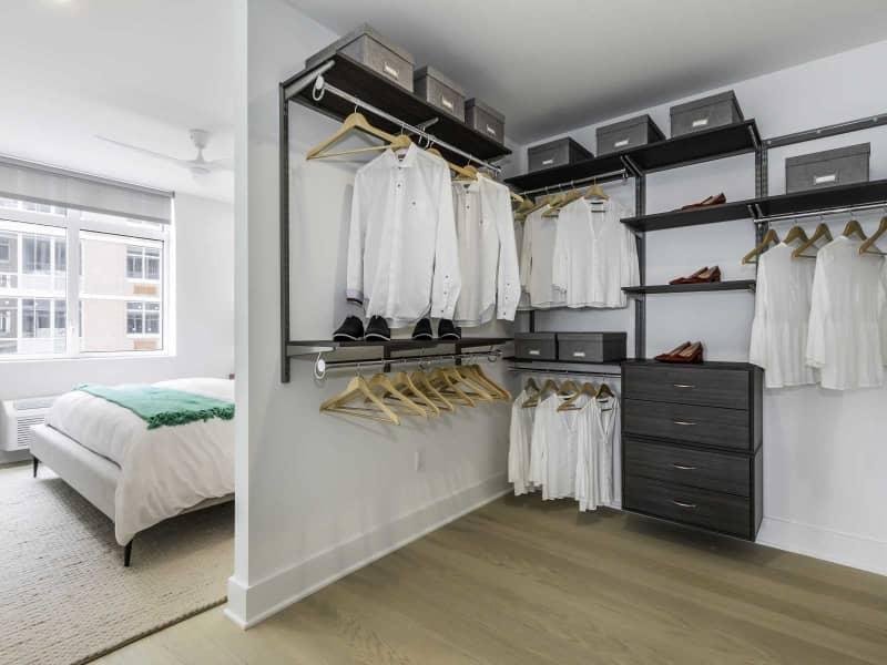 2 BR Dressing Room
