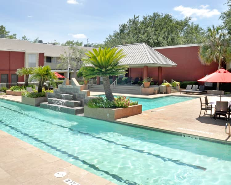 Turtle Pointe Apartments Pool Area