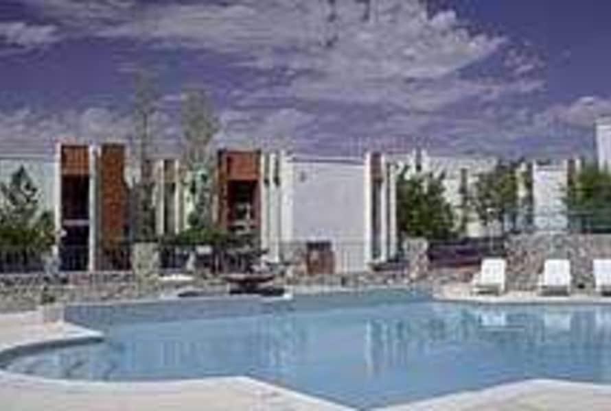 Pool/sundeck