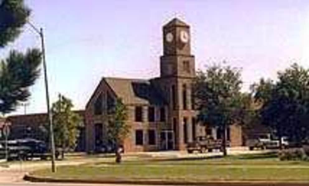 Clarendon Leasing Office