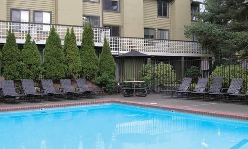 Swimming Pool & Sun Deck