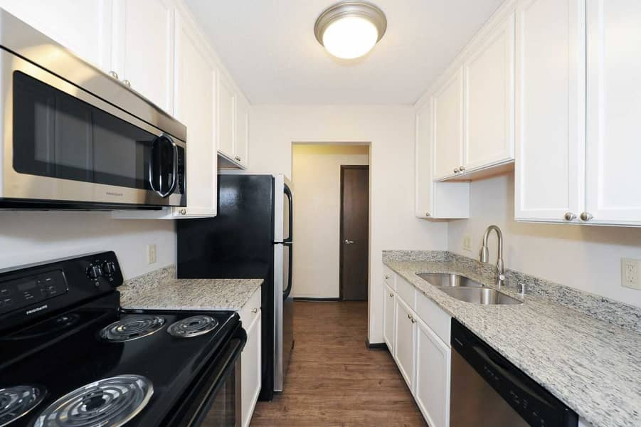 Remodel Kitchen! NEW appliances, cabinets, granite counter tops & more!