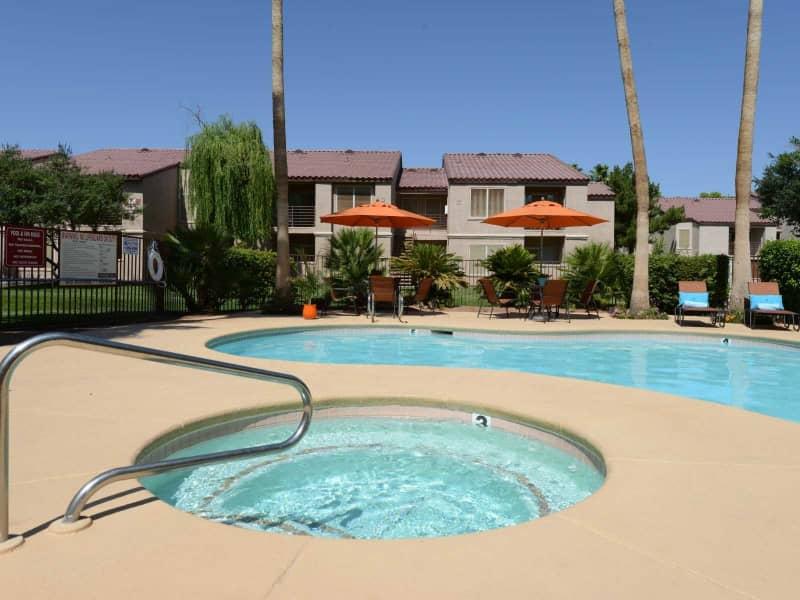 Sparkling Pool & Spa