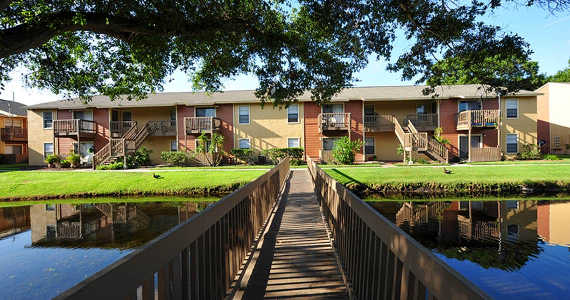 Courtney Cove Apartments - Tampa, FL