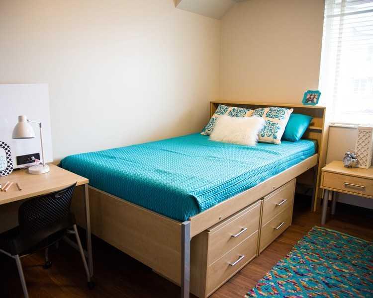Bedroom in Townhouse