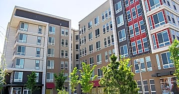 Luxury Apartment Homes at the Largo Town Center Metro