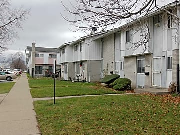 4 Bedroom Houses Apartments Condos For Rent In New Boston Mi
