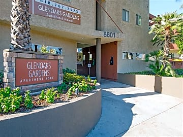 Welcome Home to Glenoaks Gardens