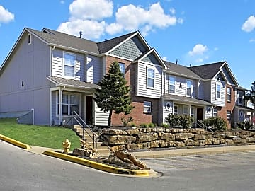 4 bedroom houses apartments condos for rent in lawrence ks - 4 bedroom apartments lawrence ks ...