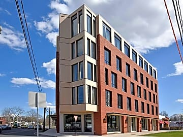 4 Bedroom Houses Apartments Condos For Rent In Holyoke Ma