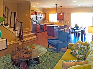 2 BR TH Main Level Open Plan