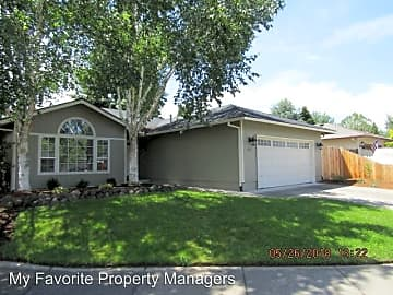 2 Bedroom Houses Apartments Condos For Rent In Medford Or