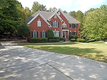 3 Bedroom Houses Apartments Condos For Rent In Suwanee Ga
