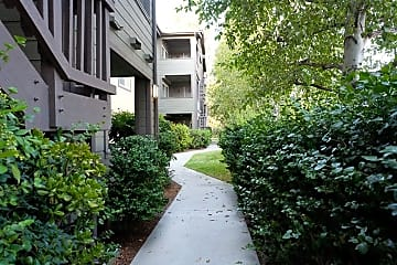 the best apartments in lake forest, ca