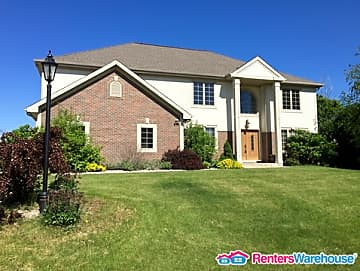 2 Bedroom Houses Apartments Condos For Rent In Waukesha Wi