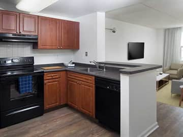 Junior One-Bedroom Kitchen and Dining Area