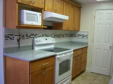 4515 kitchen, left side.JPG