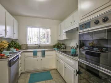 Continental Arcadia Kitchen