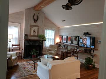 817A living room.jpg