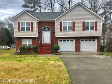 3 Bedroom Houses Apartments Condos For Rent In Cumming Ga