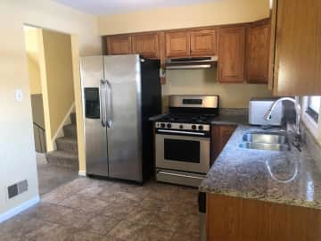 2 Bedroom Houses Apartments Condos For Rent In Hobart In