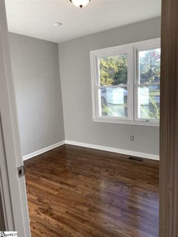 K Bedroom 1.jpg
