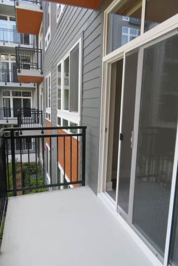 Condo balcony_IMG_1498.JPG
