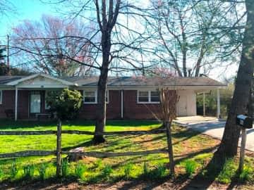 Duplexes & Fourplexes for Rent in Brevard, NC - Rentals com