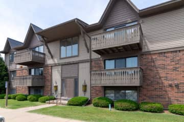 Welcome home to Fox Hill Glens in Grand Blanc, MI!
