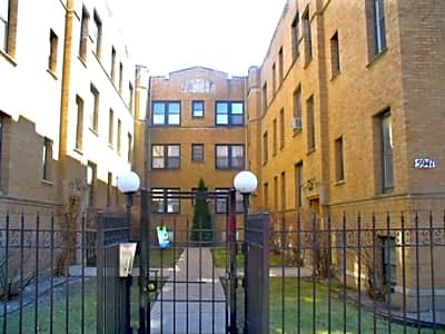5941 North Paulina - Chicago, Illinois 60660