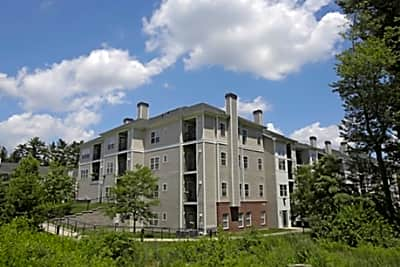 Edgewood Apartments - North Reading, Massachusetts 01864