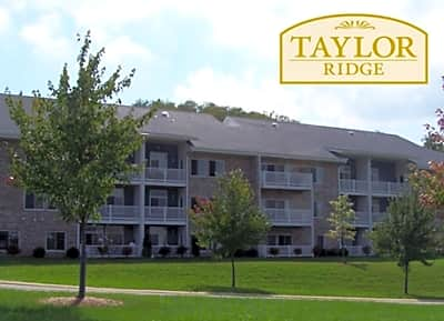 Taylor Ridge Apartments - Sewickley, Pennsylvania 15143