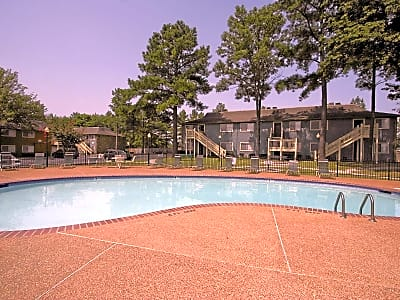 Stonebrook Apartments - Memphis, Tennessee 38115