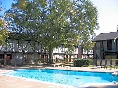 Salem Square - Friendswood, Texas 77546