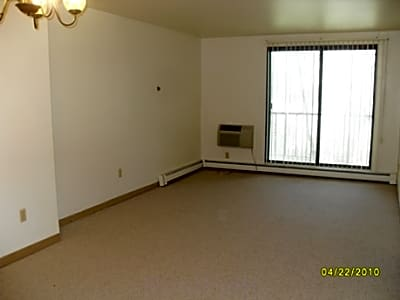 Continental House Apartments - Milwaukee, Wisconsin 53209