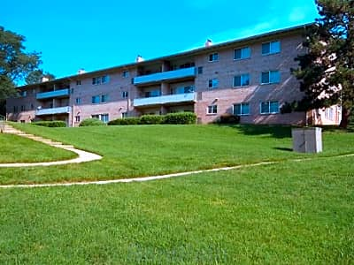 Meadowcreek Apartments - Alexandria, Virginia 22311