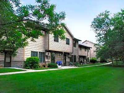 Woodcrest Townhomes - Chaska, Minnesota 55318