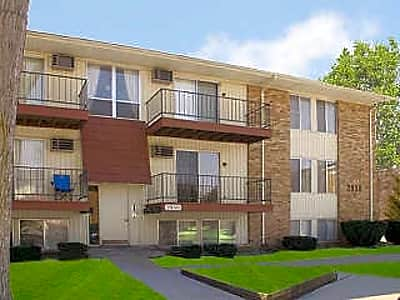 Del Marr / Scotsdale Apartments - Lansing, Michigan 48911