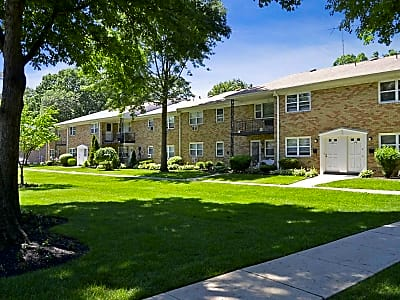 Princeton Court - Mercerville, New Jersey 08619