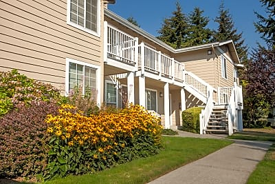 Inglenook Court Apartments - Kirkland, Washington 98034