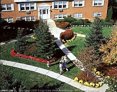 Kings Gate West Apartments - Camillus, New York 13031