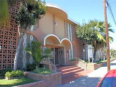 Manor Pointe Apartments - Hawthorne, California 90250