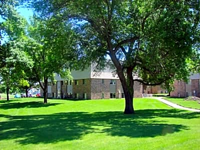 Country Village Apartments - Redwood Falls, Minnesota